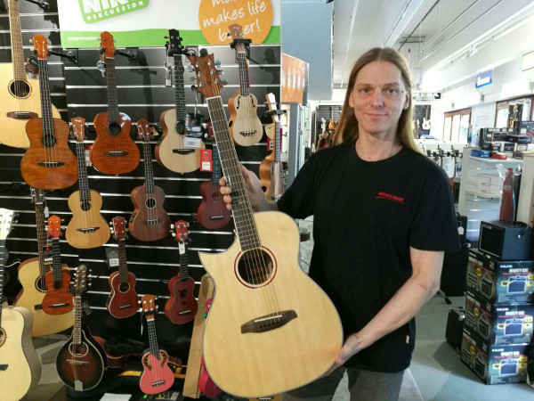 ORTEGA Westerngitarre Linkshänder 6-Saitig CORAL-30CE