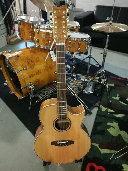 12-Saitige Westerngitarre CORAL-4012CE von Ortega
