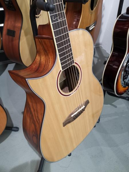 ORTEGA Linkshänder Westerngitarre 6-Saitig CORAL-30CEL