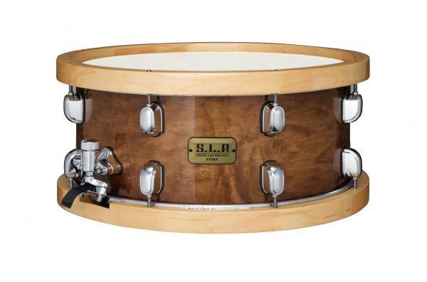 """TAMA S.L.P. Studio Maple Snare LMP1465FSEN Der 6,5"""" tiefe Ahornkessel ist mit Spannreifen ausgestattet, die ebenfalls aus 100% Ahorn bestehen. Diese Kombination verleiht dieser Snare Drum einen extrem warmen und resonanzreichen Klang, ohne an Attack einzu"""
